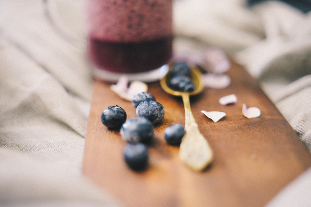 food styling photography blueberry smoothie