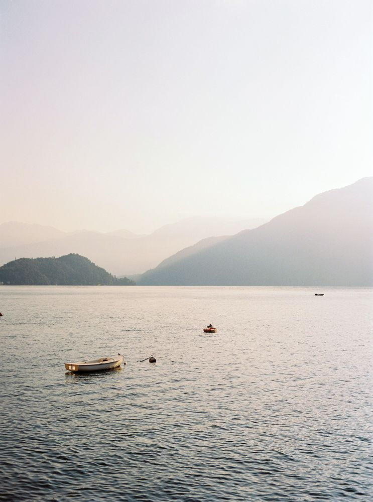 Sunset wedding in Lake Como