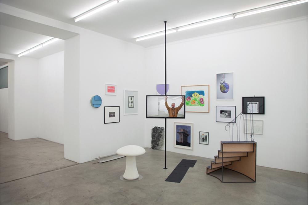Gabriele Senn Galerie, curated by Marcus Andrew Hurttig, Ausstellungsansicht, FAMED, Privileg der Umstände , 2015. Foto: FAMED.
