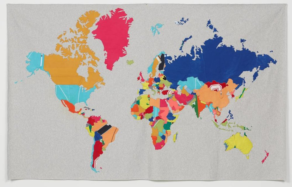 JONATHAN MONK, The World in Training, 2013, Stoffcollage aus Sportbekleidung, 150 x 240 cm, Courtesy: The Artist and Christine König Galerie