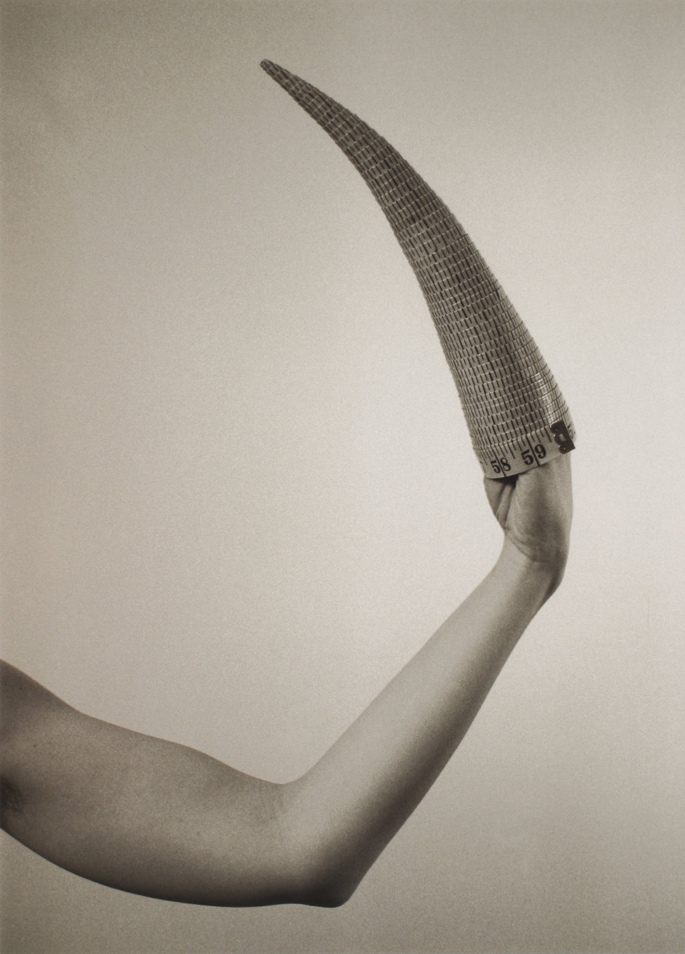 Jana Sterbak, Cone on hand, 1979-96, Gelatine Silver Print on paper, 50 × 35,5 cm, 3/15, Courtesy: Galerie Steinek and the Artist