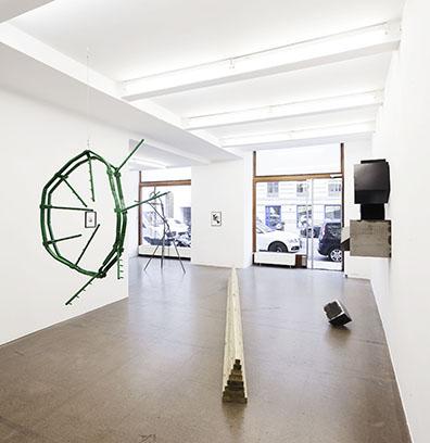 Exhibition View, Notes on Sculpture. A plea for deceleration, 2015, Galerie Krobath, Photo: Rudolf Strobl