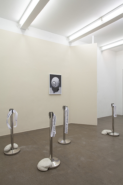 "Exhibition View ""Shimmering"", curated by_Rike Frank, 2014, Galerie Krobath, Photo: Carolina Frank"