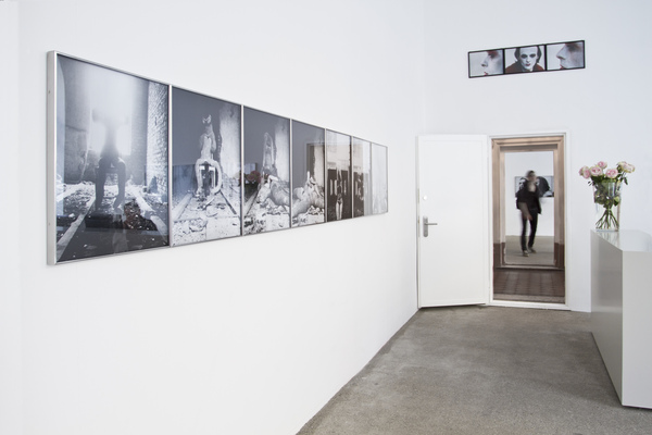 Exhibition View, Galerie Elisabeth & Klaus Thoman, curated by_Michael Scott Hall, 2012, Photo: Lena Kienzer