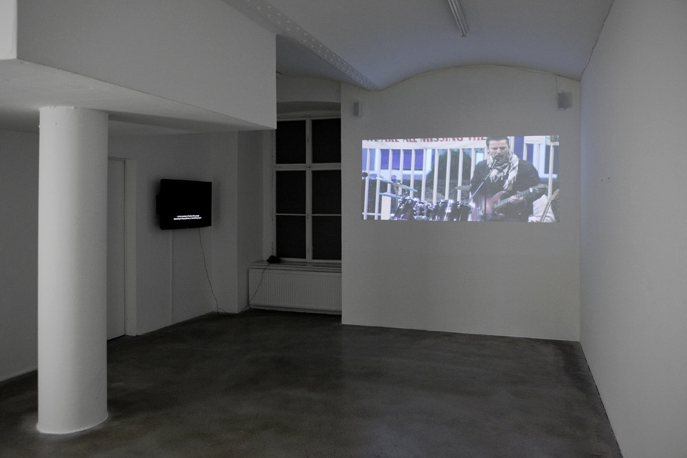 Exhibition View, Galerie Martin Janda, Fade Up / Flash Back, curated by_Silvia Eiblmayr, 2011, Photo: Aleksandra Krawa