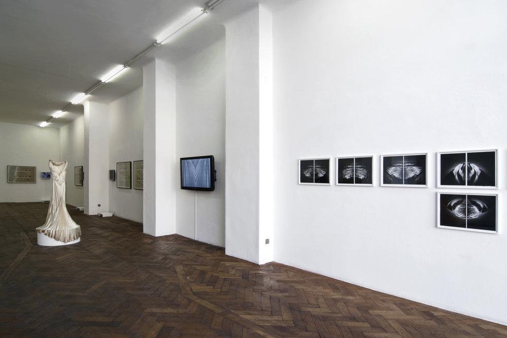 Exhibition View, Galerie Hubert Winter, curated by_Derya Yücel, 2011,Photo: Karl Kühn