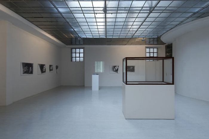 Exhibition View, Georg Kargl Fine Arts, curated by_Gianni Jetzer, 2009