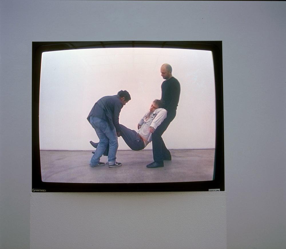 MARKO LULIĆ  OHNE TITEL (KÖRPERSTUDIE 1), 2004 0:57 min Courtesy Gabriele Senn Galerie,  Photo: Thomas Feuerstein
