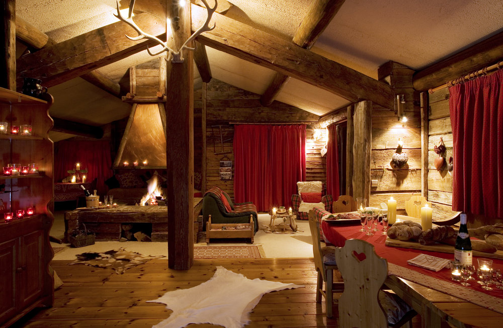Authentic alpine chalet - La Ferme sleeps 12 in comfort and can accommodate 14 if you are a large group. There are six twin or double rooms each with private bathrooms plus a bunk room, each individually and authentically decorated.La Ferme is famous for its vast main room, encompassing the whole of the chalet's top floor with cosy log fires and wonderful views over the valley in all directions. Sun beams into the chalet in the afternoons long after it has set on the rest of the resort below.