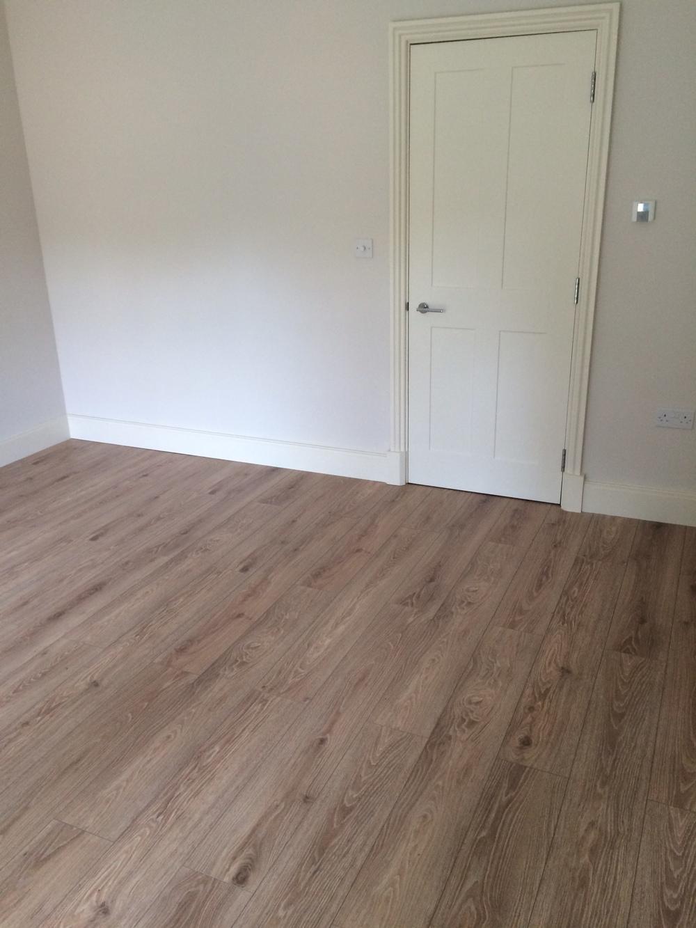 Flooring & Skirting 003.JPG