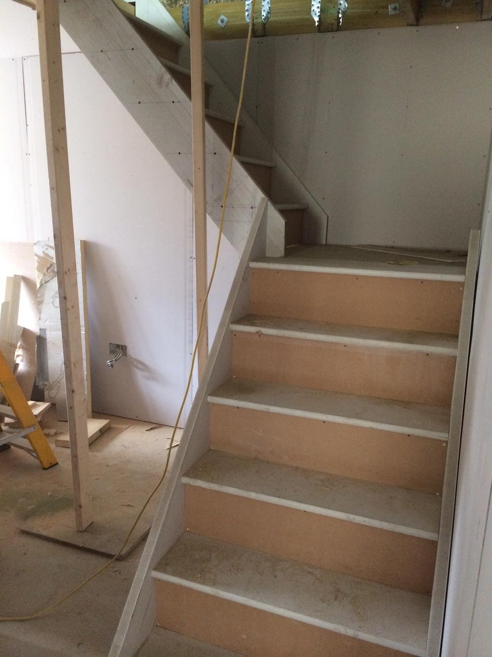 Staircase & Skirting 002.JPG