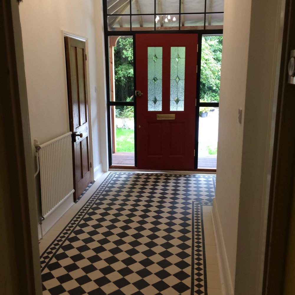 Hallway001.jpg