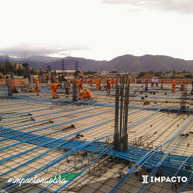 Protensão Impacto. Laje maciça protendida. #protensao #impactonaobra #obraspelobrasil #lajeplana #cordoalha #engenhariacivil
