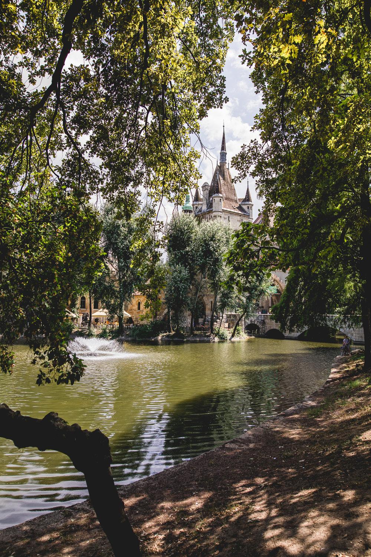 SamAllard_Budapest_Salydia_-064.jpg