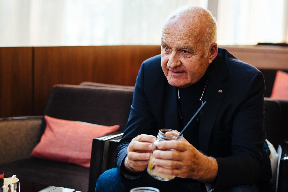Portrait und Interview mit Götz Werner, DM Drogerie Markt Gründer, in Stuttgart, Interview und Portrait im Althoff Hotel Stuttgart Schlossgarten Schillerstr. 23 und vor/bzw. in der  dm-Filiale Stuttgart Königstr. 2, am 15.02.2017, DEU, Deutschland - Zweitverwendung nach MFM, Belegexemplar an: mail@sebastian-berger.de, Copyright Vermerk: Sebastian Berger www.sebastian-berger.de CREDIT: Sebastian Berger - Affalterbacher Str. 32 - 71686 Remseck - Germany - mobile +49 174 2437129 - mail@sebastian-berger.de - www.sebastian-berger.de