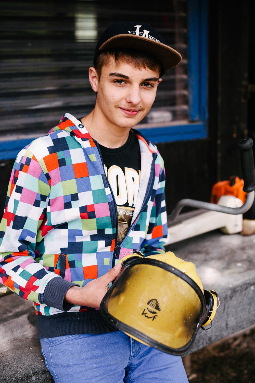 Arbeit im Stall, Seifenkisten bauen, klettern in der Halle, DJ-Songs mixen – in seiner Freizeit ist Timo gut beschäftigt.