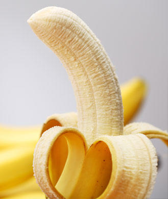 Bananas - Are high in potassium and counteract foods high in sodium. Salty foods make you bloated and diminish blood flow to the genitals, which can make it more difficult to reach orgasm.