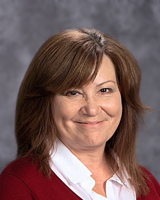 Linda Kunz  Middle School Director B.S. in Sociology University of Louisville lkunz@walden-school.org