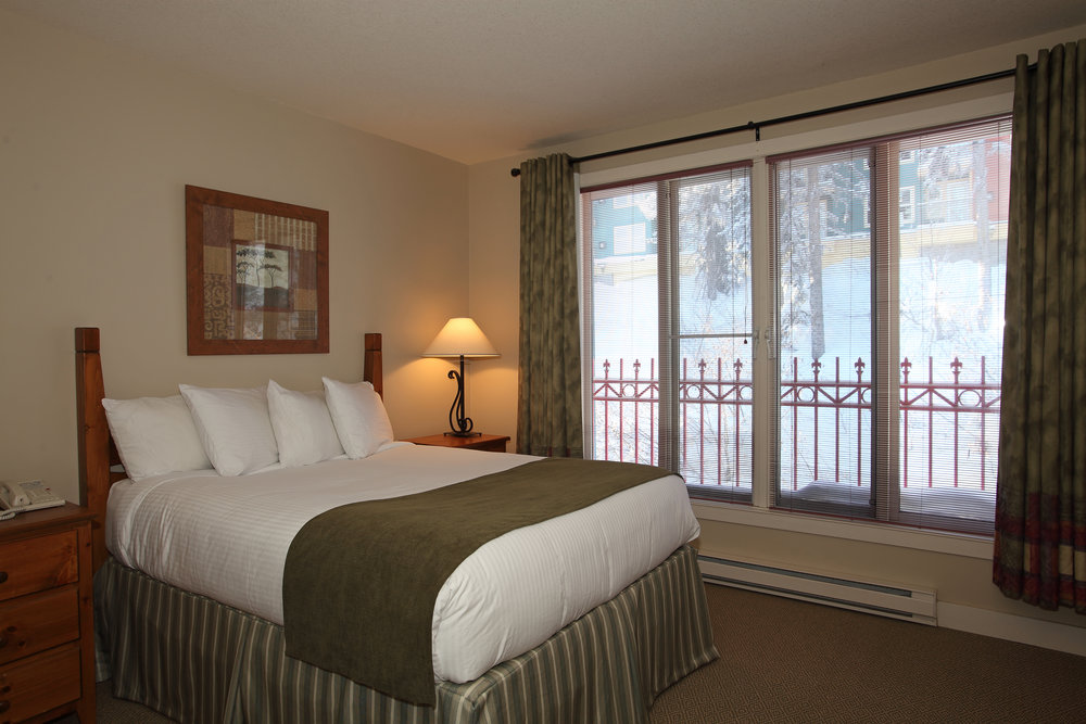 Chilcoot One Bedroom Suite.jpg