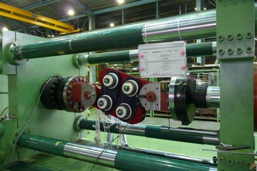 1500 kN damper in testing machine