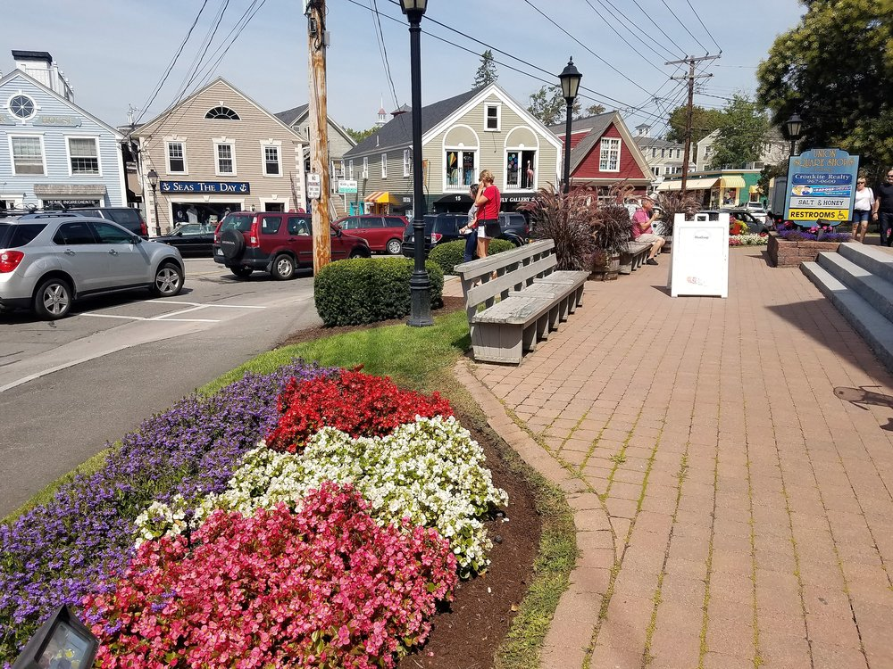 Picture of Dock Square . Our location is right where you want to be. It's a 60 second walk to Dock Square. Sailing trips, sightseeing cruises, and horse drawn carriage rides are across the street. No parking hassles. Park your car and forget it! Exploring the shops, pubs, and restaurants of Kennebunkport's Dock Square is so easy when you stay at the Chetwynd House Inn.