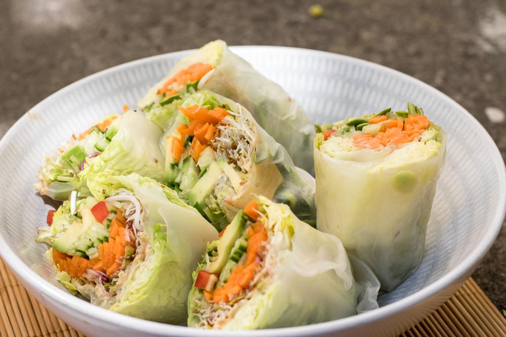 Raw spring rolls
