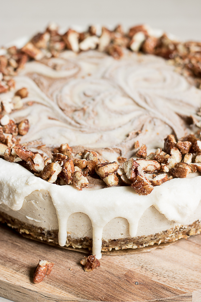 Raw cinnamon roll cake
