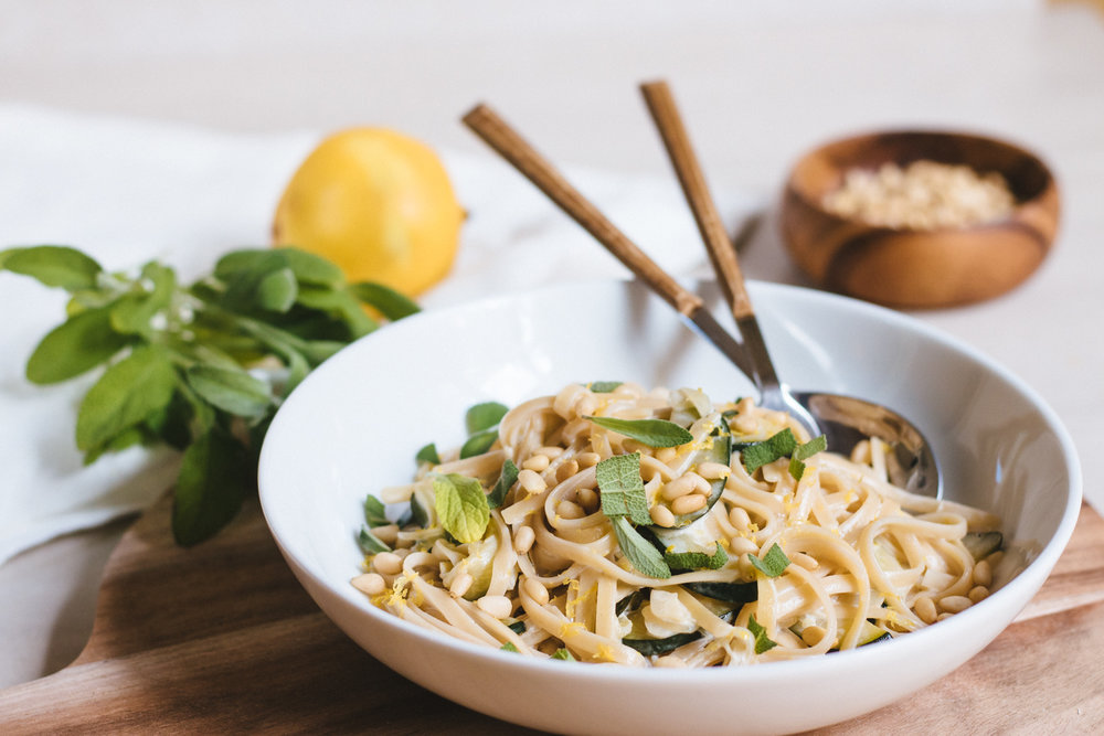 Krämig citruspasta med zuccini & salvia vegan recept