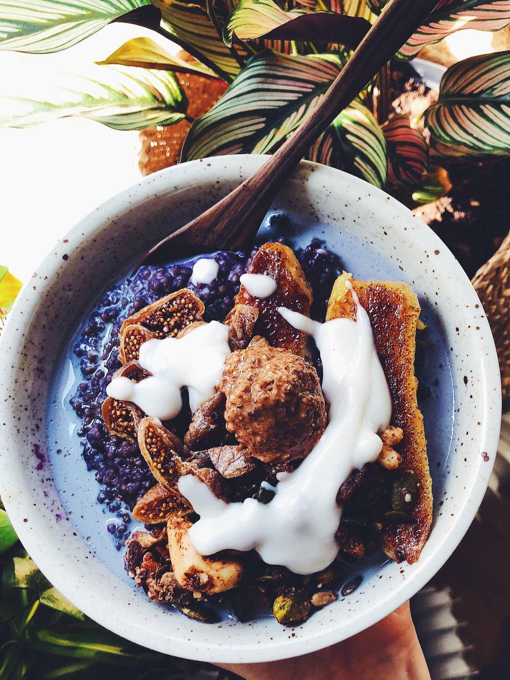 Blueberry & millet porridge