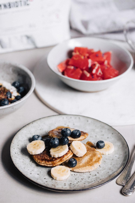Vegan oat & banana pancakes