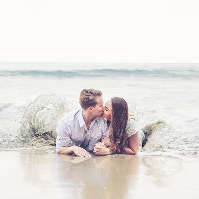It's #nationalkissingday and I couldn't help but post one if my favorite kissing picture of one of my favorite couples. I absolutely love this shot of these two brave people willing to get in the cold water for a great shot!