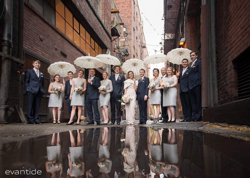 Seattle Wedding | Bella Umbrella | Evantide Photography