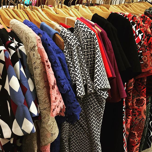 Fall Fashion is in full swing... Stop by Talbots in Pittsford tonight and stock up your fall/winter work wardrobe! 10% of all sales 5-8pm benefits @dfsrochester #DFSRrochester #GivingBack #Rochester
