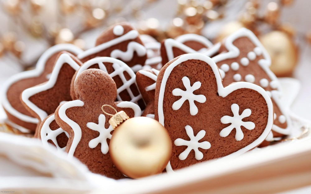 picture from  http://www.wallpaper4me.com/google-skin/Gingerbread-Cookies/