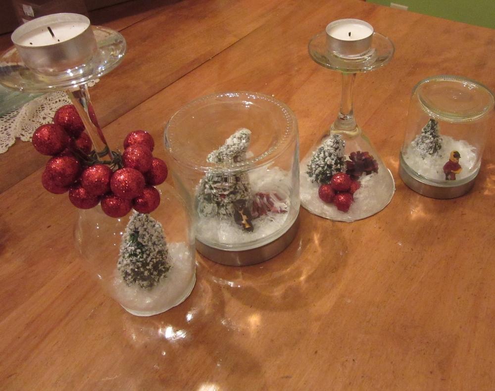 Paste the cardboard on glasses and close the jars / Colle les carton avec les verres et referme les pots massons.