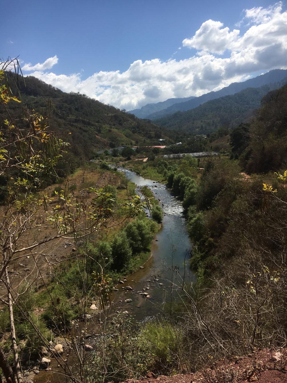 Aunque hermosas, las montañas de la Sierra Madre de Chiapas representan serios desafíos para el transporte de pacientes y la prestación de servicios médicos de emergencia.