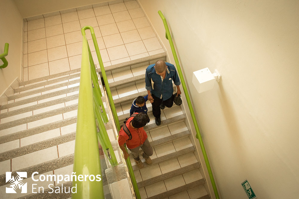 Ernesto and his father Oscar leave the pediatric hospital with Dr. Rodríguez. The team at Compañeros En Salud is committed to accompanying patients in every step of the care they need.