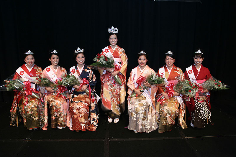 Miss Congeniality Keri Haitsuka, Princess Dawn Yonamine, 1st Princess Ashley Kaneshiro, Queen Trisha Tamaru, Princess Liann Unebasami, Princess Stacey Fukuda and Miss Popularity Jamie Lyn Migita