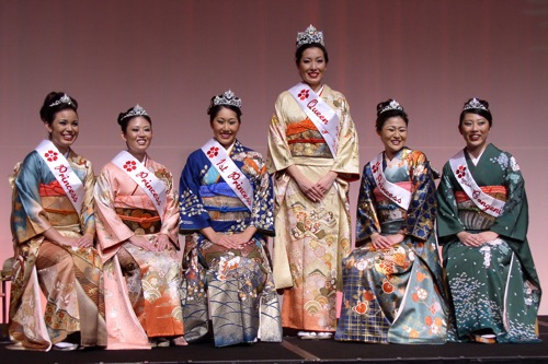 Princess Christine Gibo, Princess Natalie Yamada, 1st Princess Jerilyn Itamoto, Queen and Miss Popularity Meredith Kuba, Princess Audrey Ida and Miss Congenialtiy Roxine Kubo