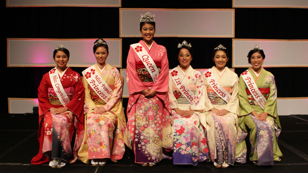From left: Miss Congeniality Dylan Katarina Lau, Princess and Miss Popularity Asia Rei Katsura Ayabe, Queen Alexis Sayuri Okihara, 1st Princess Brittney Yasuko Kawahara, Princess Ritsuko Sarah Tomari, and Princess Kristi Kiyo Murakami.