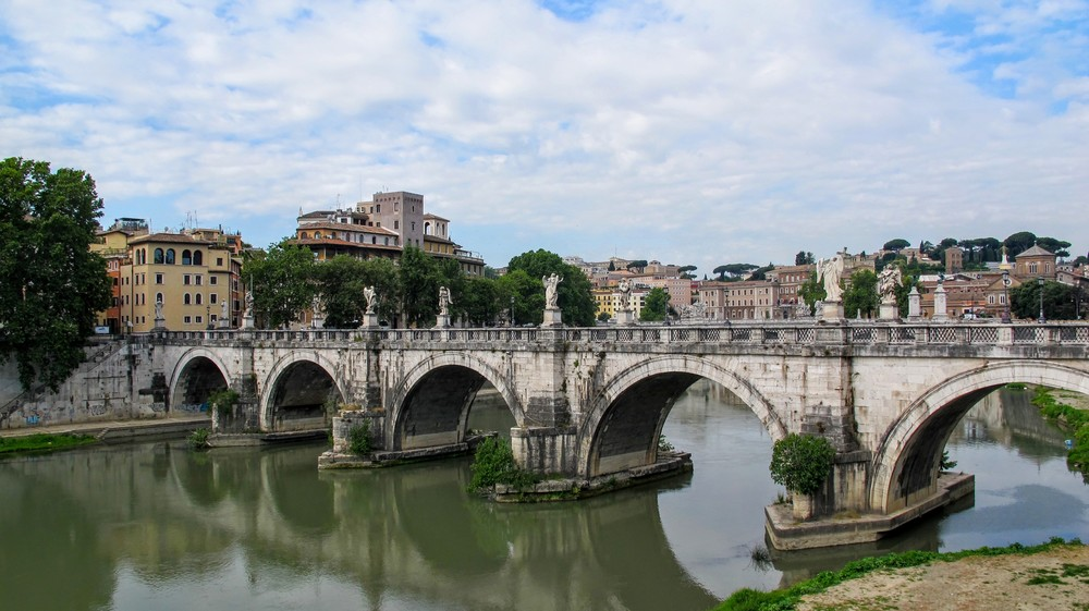 Tyber River, Rome Italy