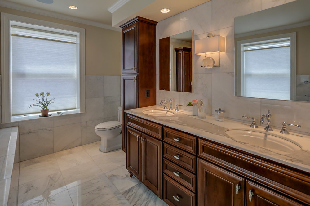 123 W Washington Ave #1007 Madison, WI 53703 - Master Bath4.jpg