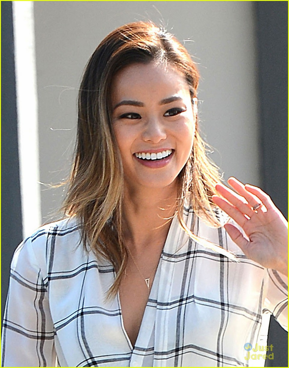 jamie-chung-recovers-from-stressful-week-02.jpg
