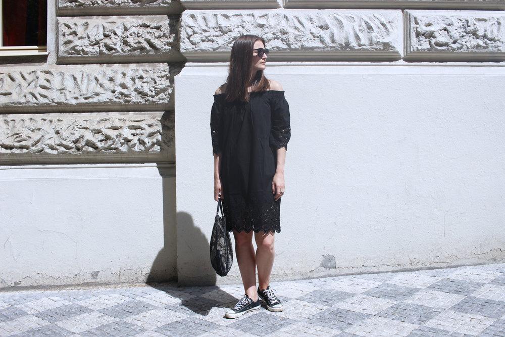 dress - Mango, bag - Helena Heinz, shoes - Converse, glasses - KAIBOSH