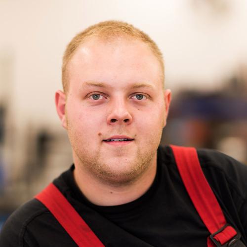Christoph Bruderhofer, Automechaniker