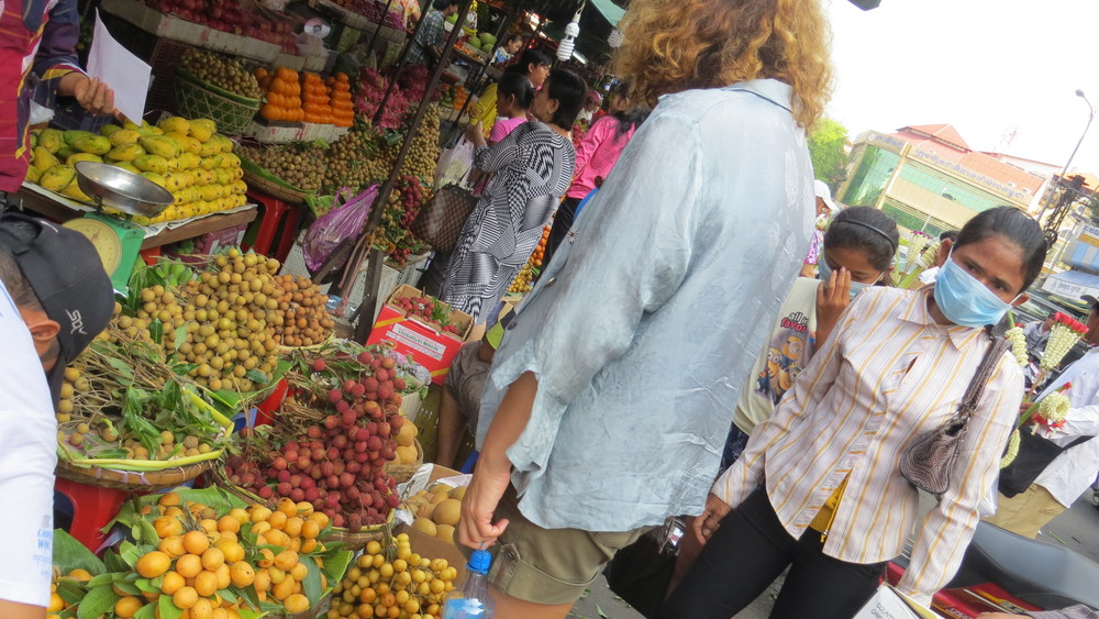 Over 50's - buying Fruit supplies - Phnom penh