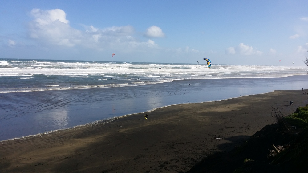 Kite surfing Muriwai Beach, Auckland, NZ
