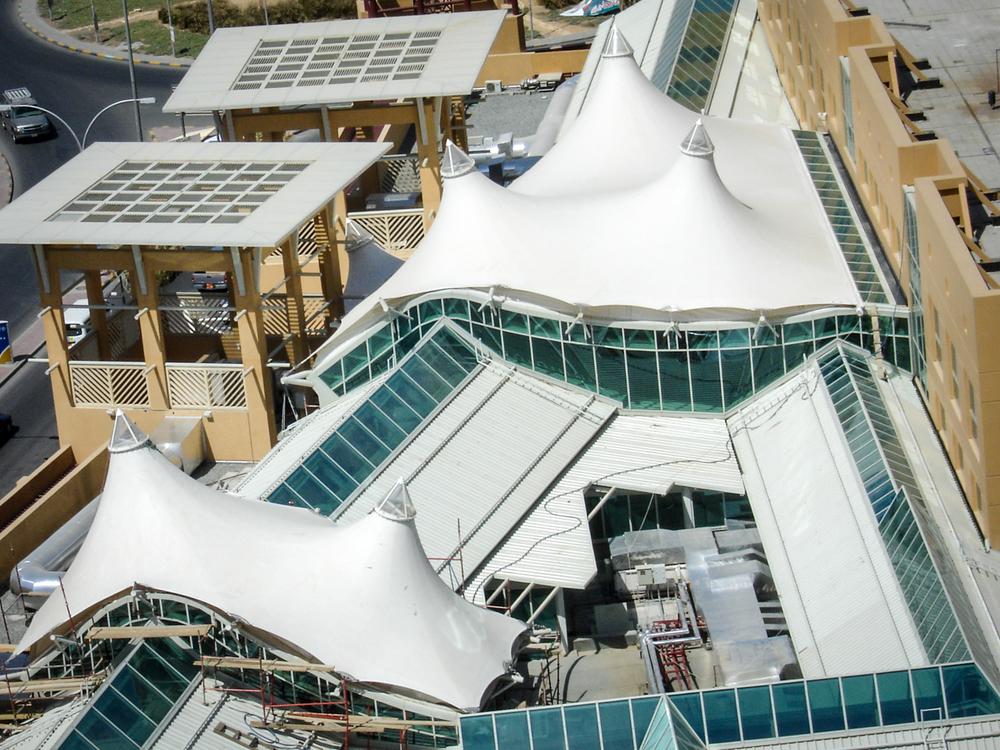 Al Manshar Complex