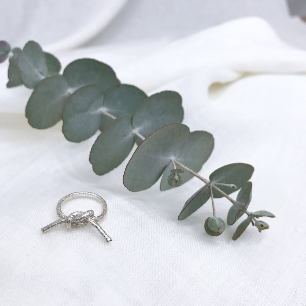 - Knotted ring