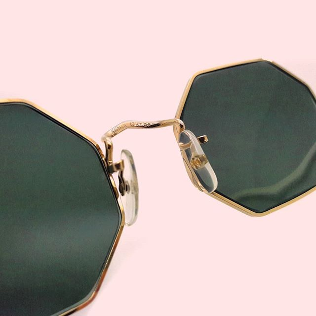 Go super luxe this Saturday in these Octagonal Algha 12KT Gold rolled frames made in England.  #vintagesunglasses #octagon #saturday #vintageeyewear #sunglasses #vintagebloggers #fashionblogger #styleblog #londonstyle #londonbloggers #vintagelondon #gold #luxury